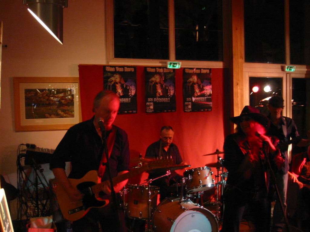 concert-nina-van-horn-dec-07-015.JPG